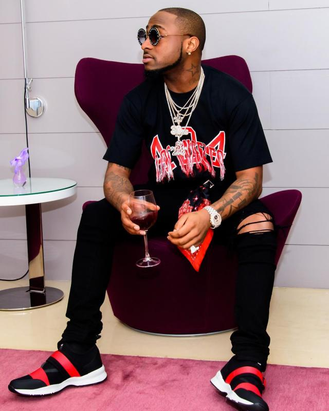 Davido reacts to Kuami Eugene's electrifying performance in UK