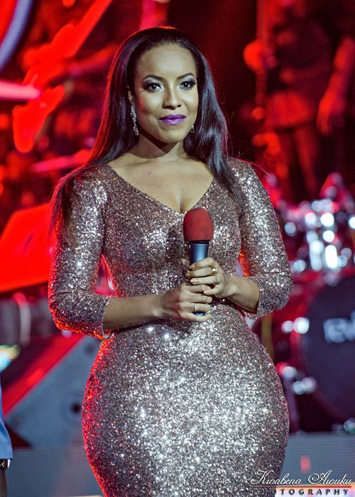 See Joselyn Dumas Amazing Curving Back Side In Her #TBT Photo.