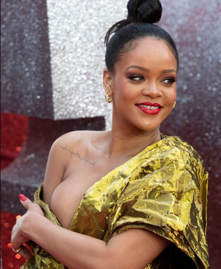 Rihanna flashes entire boob as she suffers embarrassing wardrobe malfunction at Ocean's 8 premiere (photos)