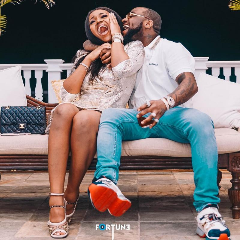When She Says, She Off Her Period, See How Hilarious Davido Reacts. Video
