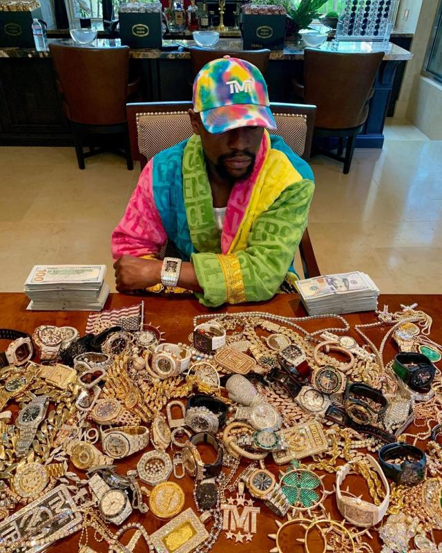 Epic Jewelry Display By MayWeather Never Before Video