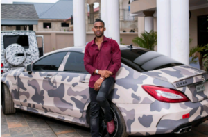 Ibrah Young millionaire gifts trotro passengers free iphones